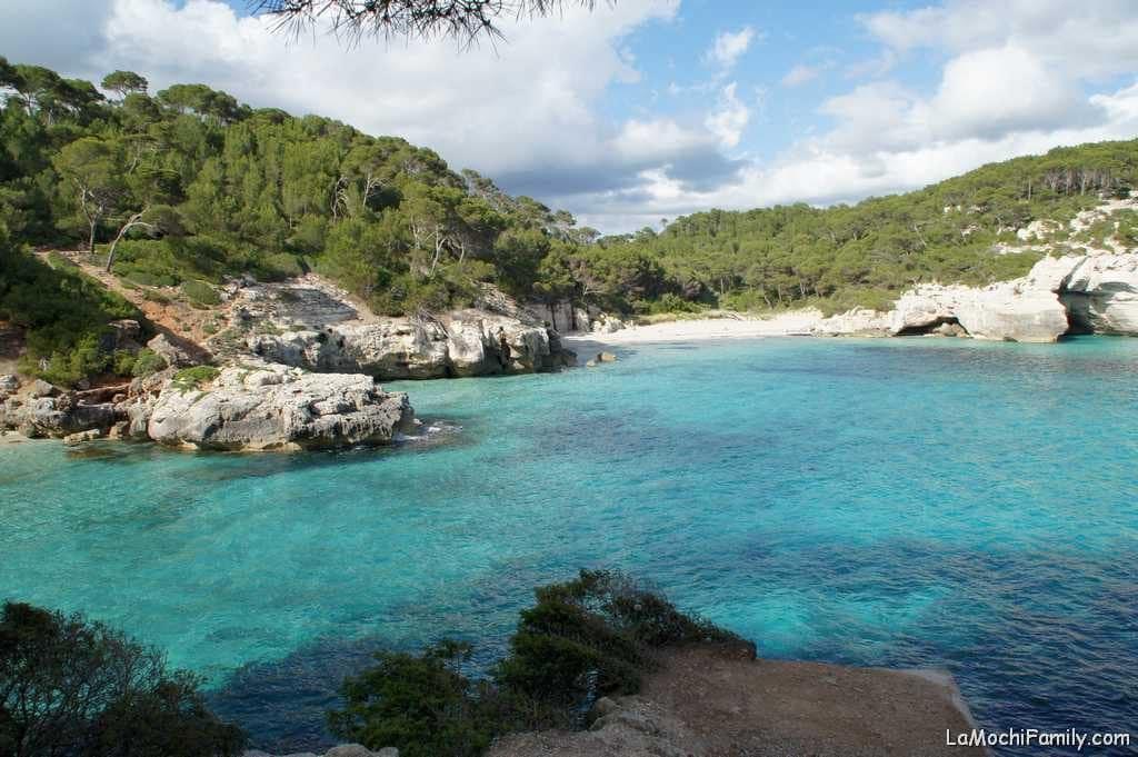 Cala Mitjana, mejor cala virgen de Menorca