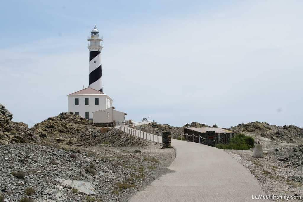 Far de Favàrtix Menorca con peques