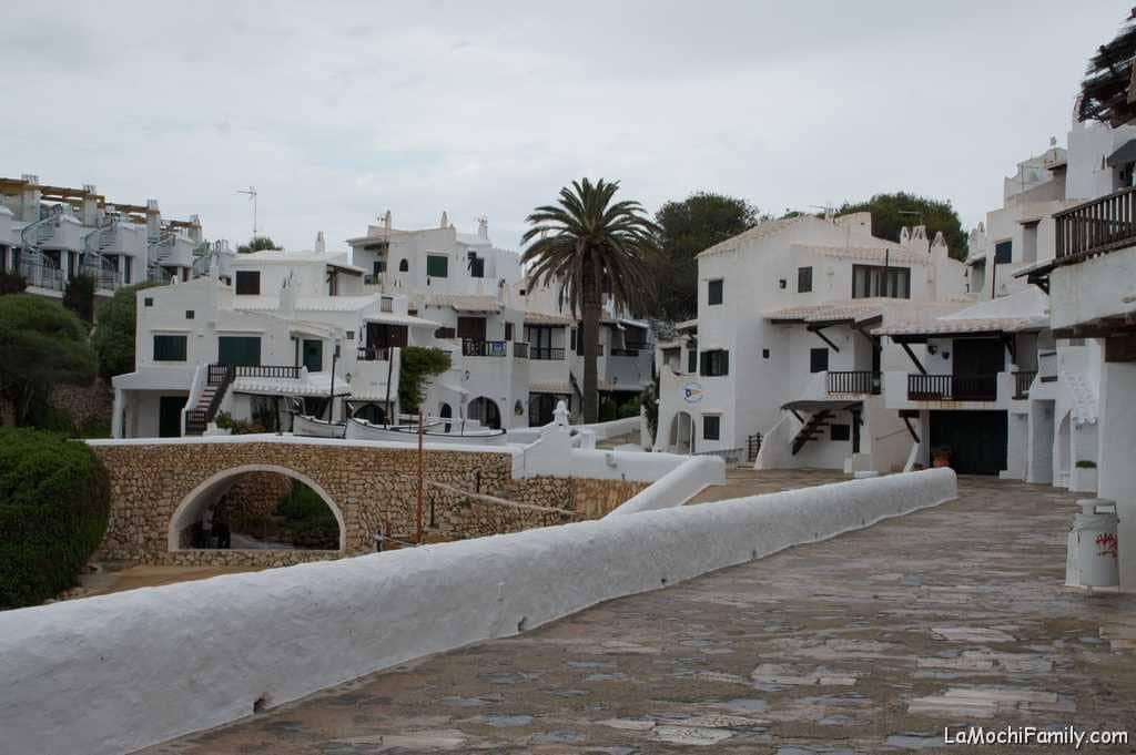 Binibeca vell de las mejores cosas que ver en Menorca